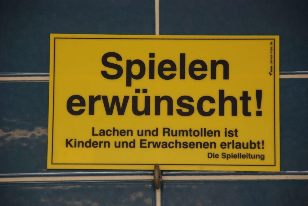Förder- und Spielgruppen für Kinder: http://www.psychomotorik-bonn.de/index.php/kurse